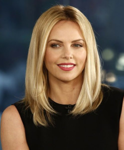 Medium-to-long-hairstyles-for-Blonde-Hair